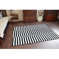 Moderní koberec černo-bílý F132