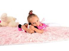 Plyšový dětský koberec RŮŽOVÝ