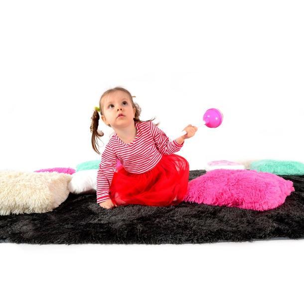 Plyšový dětský koberec ČERNÝ