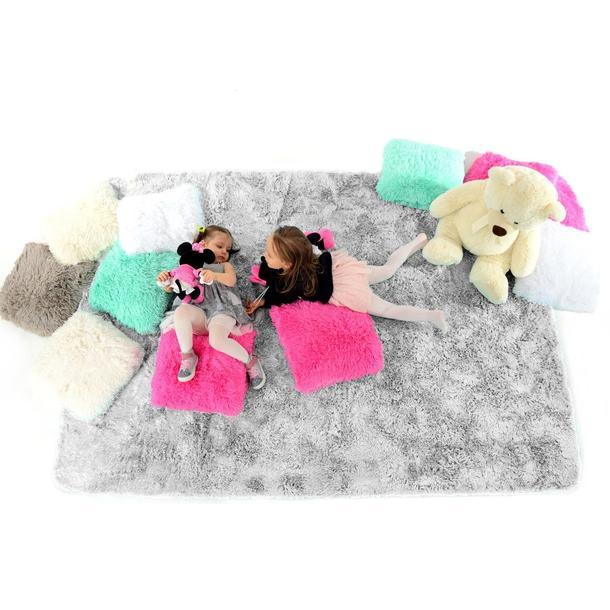 Plyšový dětský koberec STŘÍBRNÝ