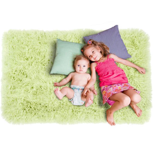 Plyšový dětský koberec MAX SVĚTLE ZELENÝ.