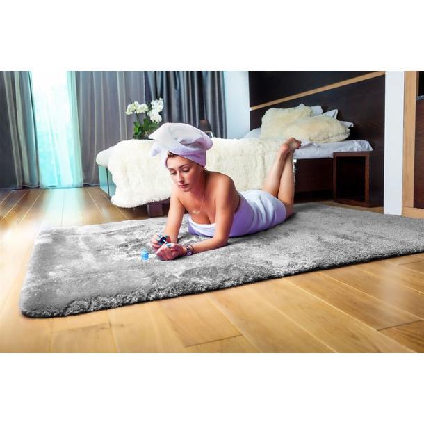 Plyšový koberec STŘÍBRNÝ