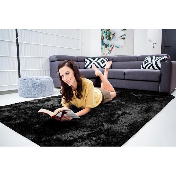 Plyšový koberec ČERNÝ