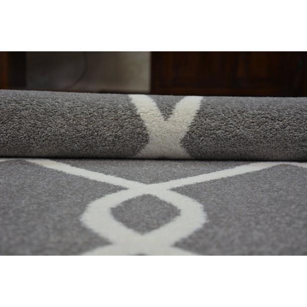 Moderní koberec šedo-bílý F934