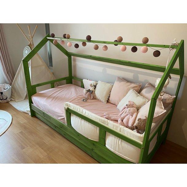 SKLADEM: Dětská postel z masivu bez šuplíku DOMEČEK BEDHOUSE 160x80 cm - šedá