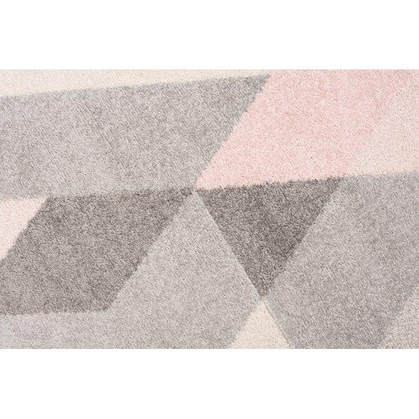 Kusový koberec AZUR trojúhelníky typ F - šedý/růžový