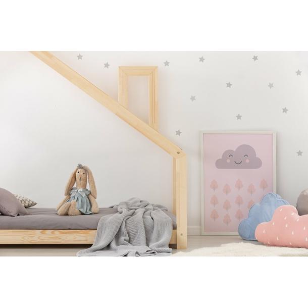 SKLADEM: Dětská postel z masivu DOMEČEK S KOMÍNEM 200x120 cm + prodloužení nožiček 10 cm